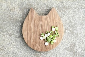 original_cat-chopping-serving-board