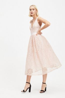 DOLLY & DELICIOUS Pink Lace Plunge Front Lace Prom Dress Blush